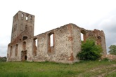 RUINS OF MEDIEVAL CHURCH © Konstantin Karchevskiy | Dreamstime.com